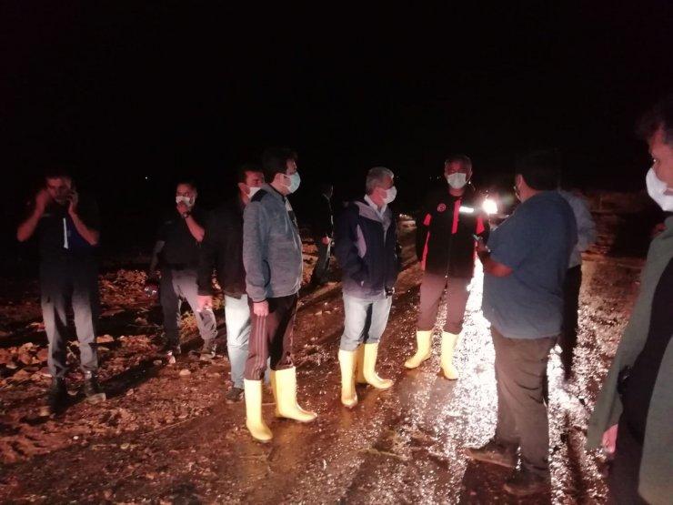 Kırşehir'de sel yaşamı olumsuz etkiledi