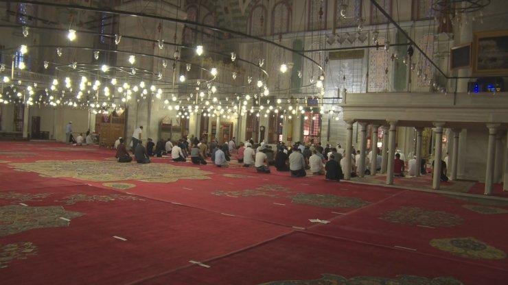 Ayasofya kararı sonrası İstanbul'da camilerde şükür duası