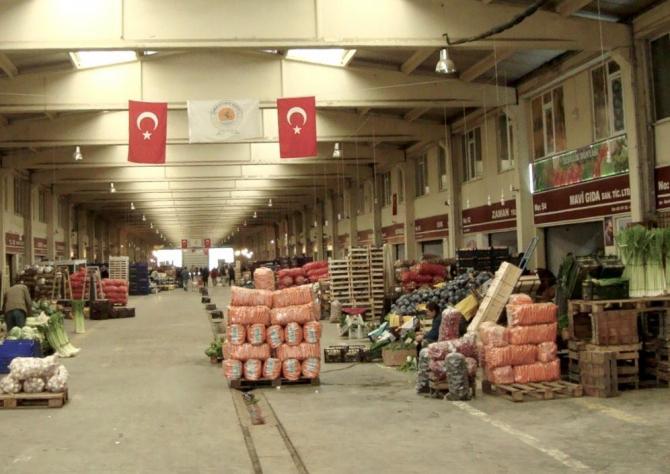 Sebze ve Meyve Hali'nde 110 bin ton ürün işlem gördü
