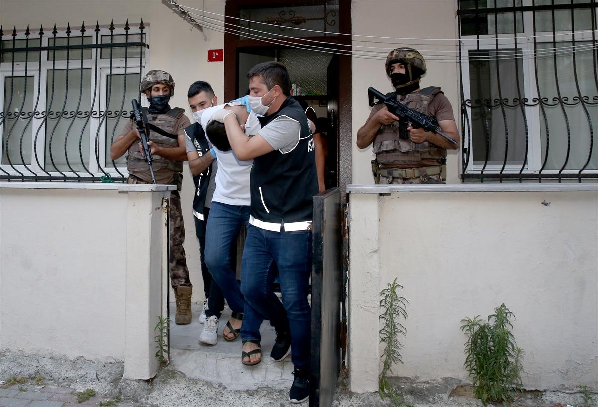 İstanbul'da zehir tacirlerine şafak operasyonu: 75 gözaltı