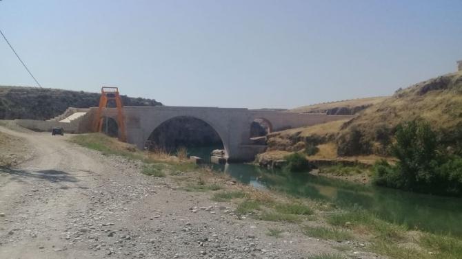 1800 yıllık tarihi köprü ulaşıma açıldı