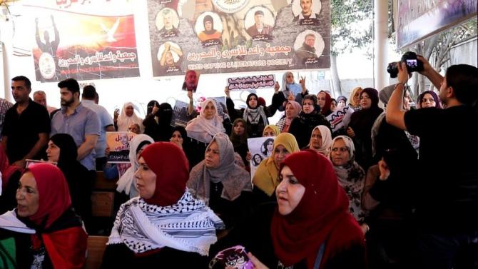 Filistinliler, İsrail hapishanelerindeki korona tehlikesini protesto etti
