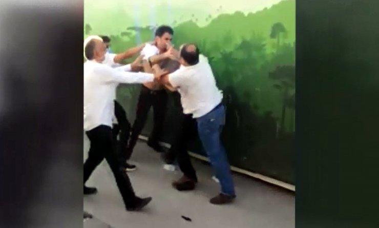 Ankara'da, 'otobüsü yavaşlattın' tartışmasıtekme ve yumruklu kavgaya dönüştü
