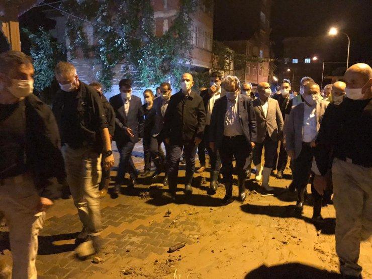 Bakan Soylu, afetin yaşandığıÇayeli'nde inceleme yaptı: 1 kayıp, 11 yaralı