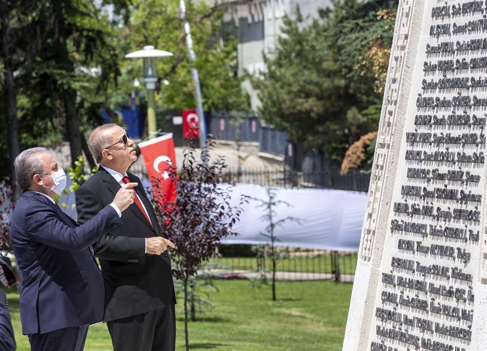 Erdoğan: 15 Temmuz, arkasında hesapların olduğu tarihi bir kırılma noktasıdır