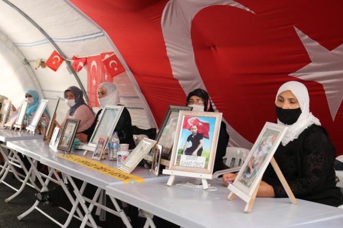 HDP önündeki ailelerin evlat nöbeti 318'inci gününde