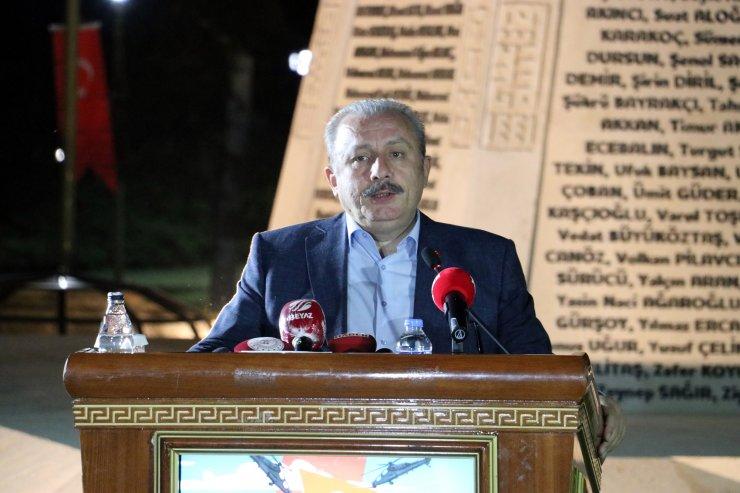 TBMM'de 'demokrasi nöbeti' başladı (2)