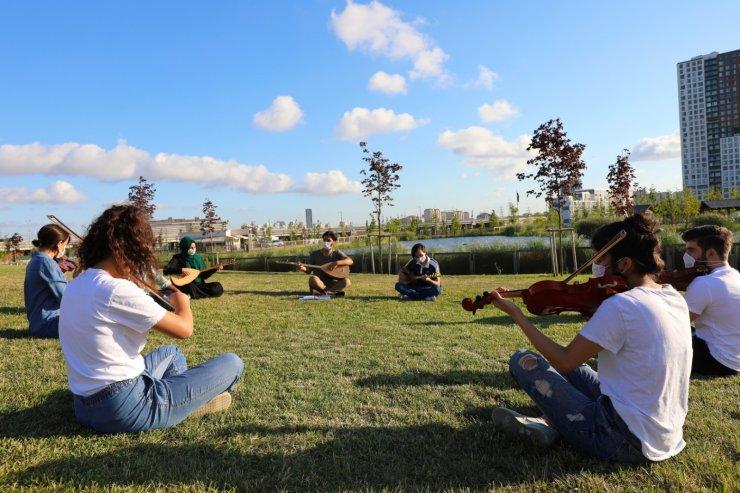 Millet Bahçesi'nde müzik eğitimi