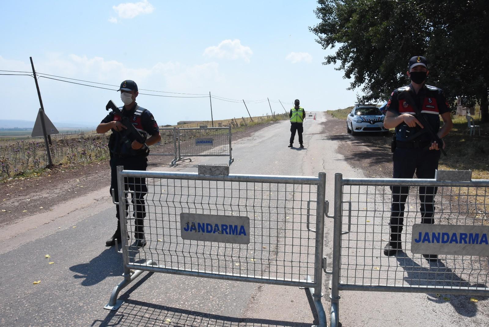 Vakalar artınca 400 kişilik mahalle karantinaya alındı