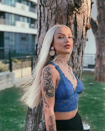 İzzet Yıldızhan'ın mesaj attığı genç kadın sanatçıyı ifşa etti!