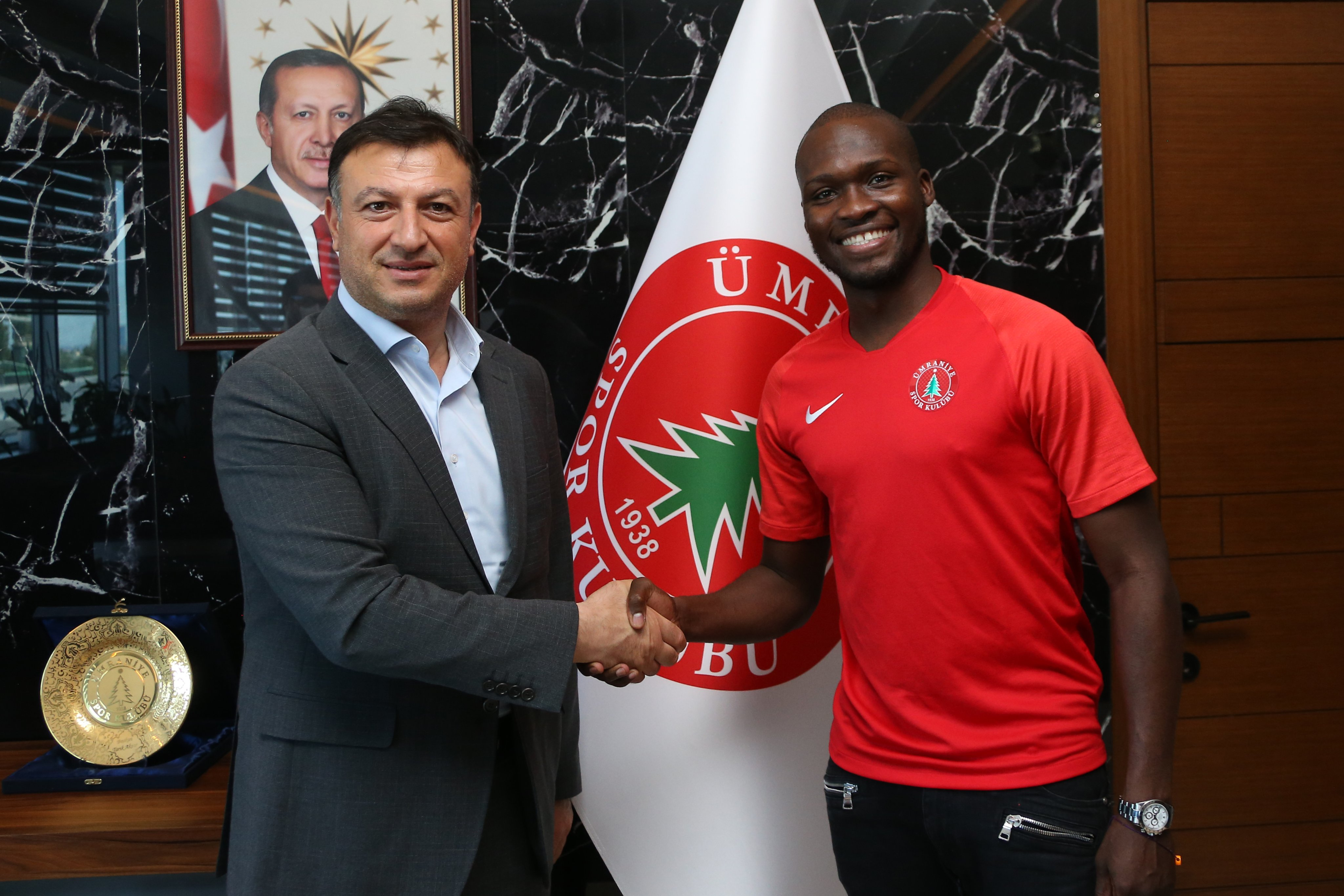 Moussa Sow, Ümraniyespor'da!