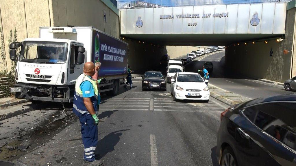 Sultangazi'de kaza: Takla atan otomobil iki araca çarparak durabildi, 1 yaralı