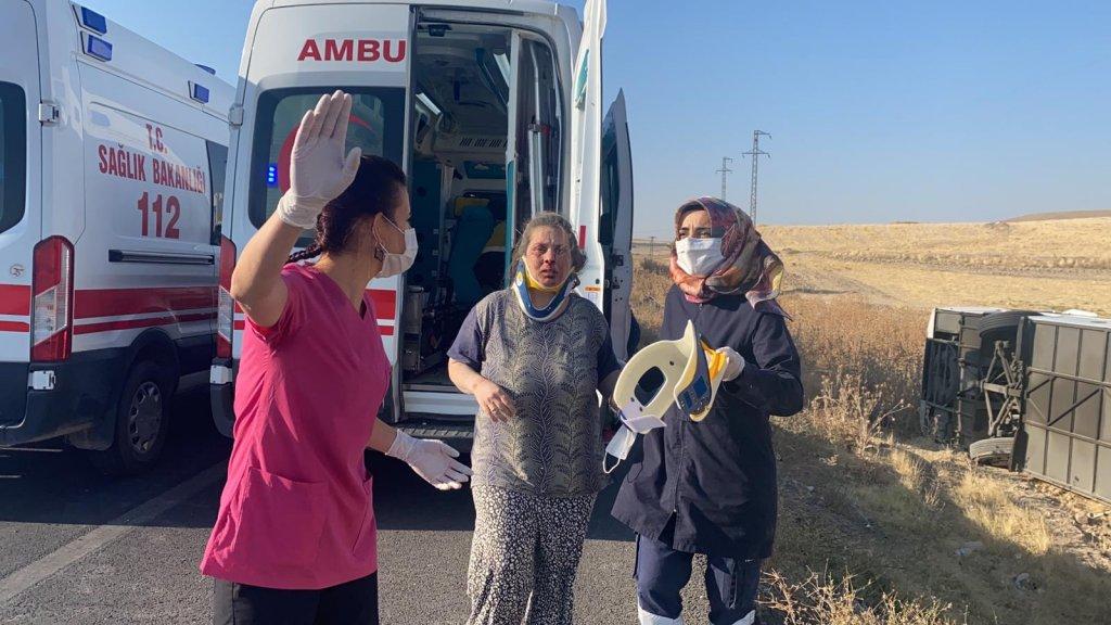 Aksaray'da kaza: Yolcu otobüsü devrildi, 30 yaralı
