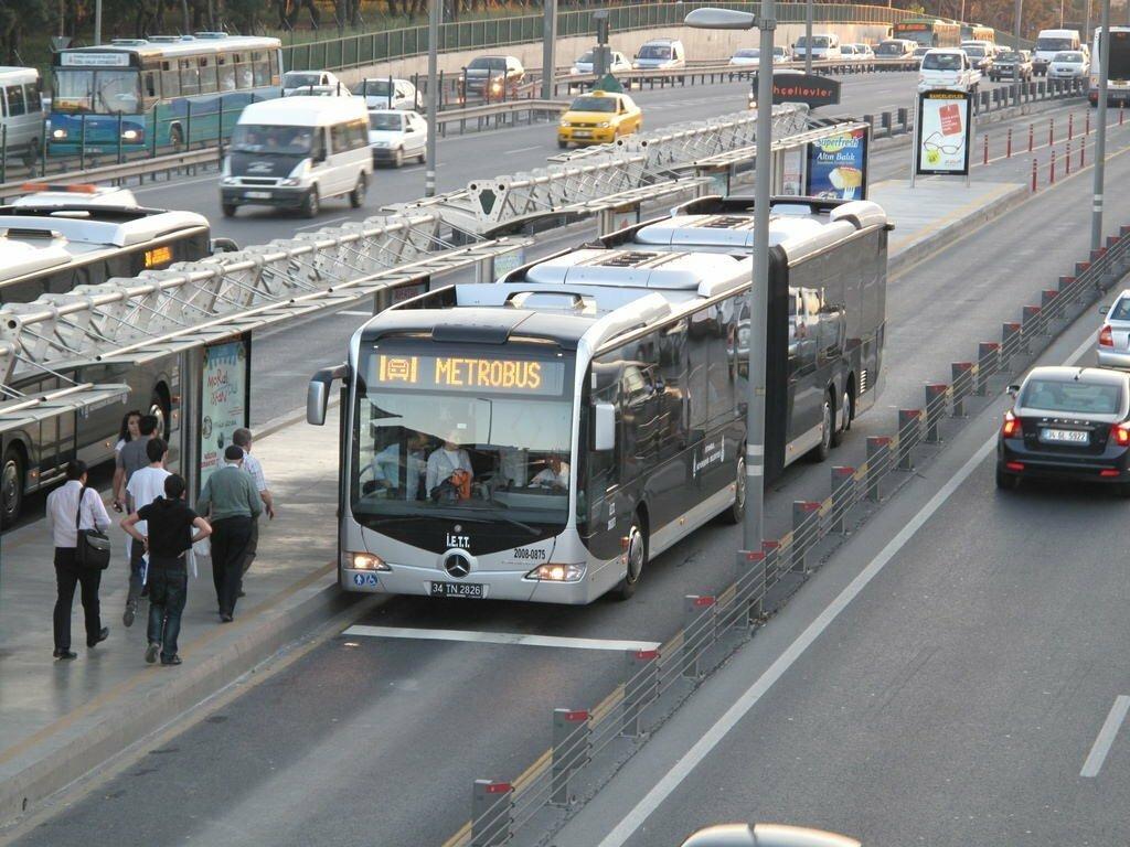 İBB açıkladı! Yarın toplu taşıma 8 saat ücretsiz olacak