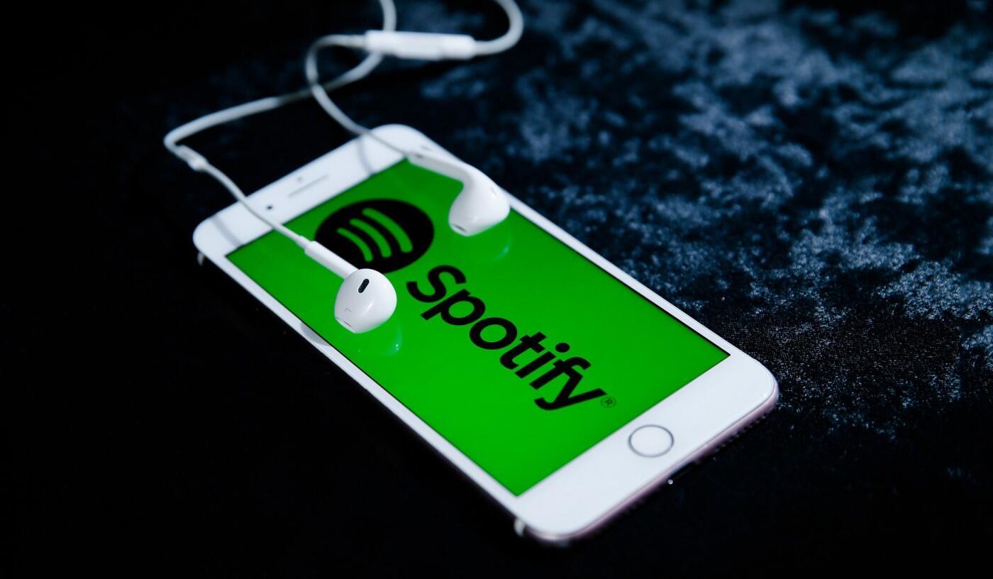 Dijital müzik platformu Spotify hack'lendi : 300 bin hesap ele geçirildi