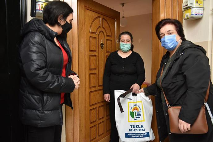 Tuzla'da Beyaz Baston Görme Engelliler Haftası'nda engelli vatandaşlara özel hediye!