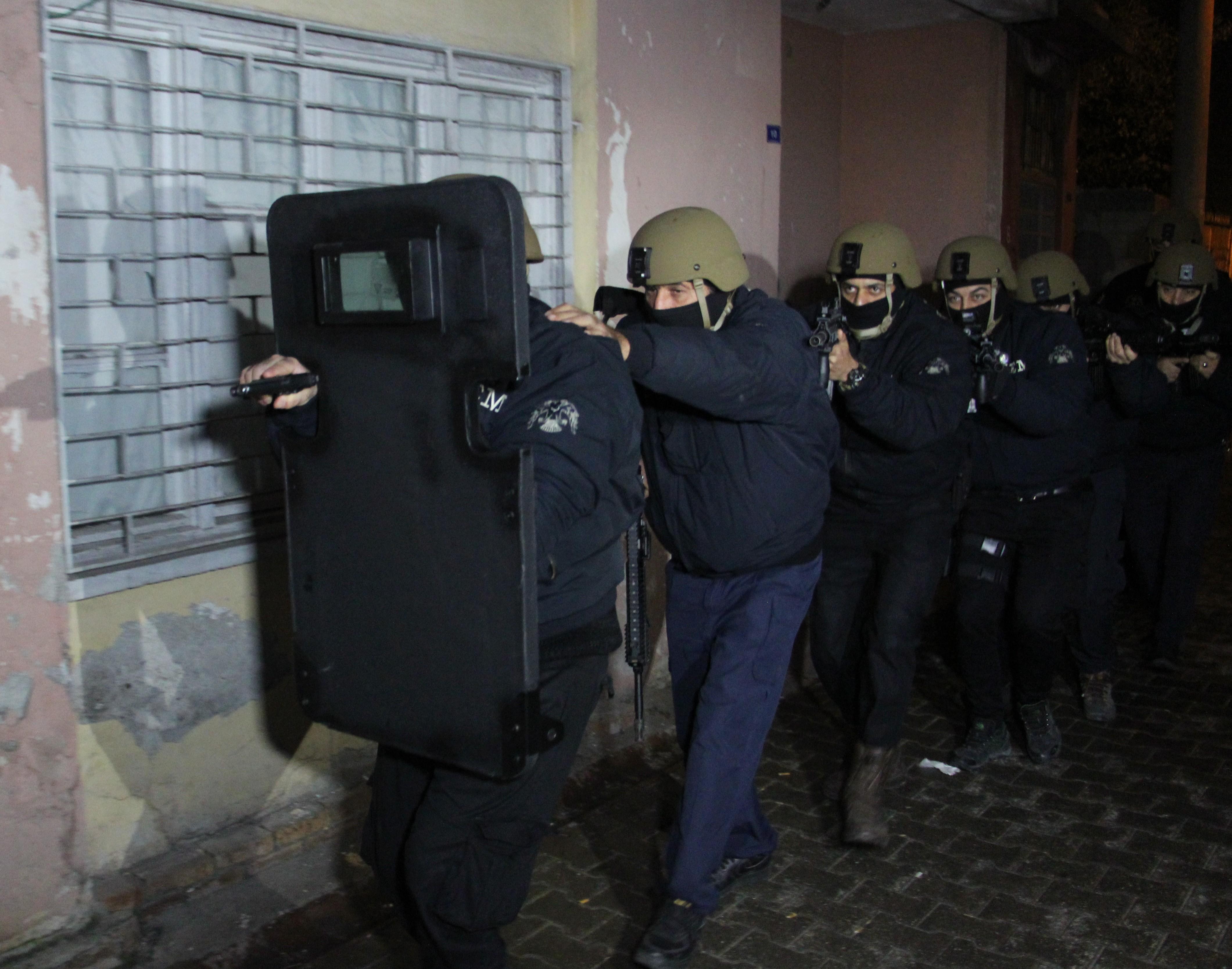 Adana'da şafak vakti DEAŞ operasyonu: 6 kişi gözaltına alındı