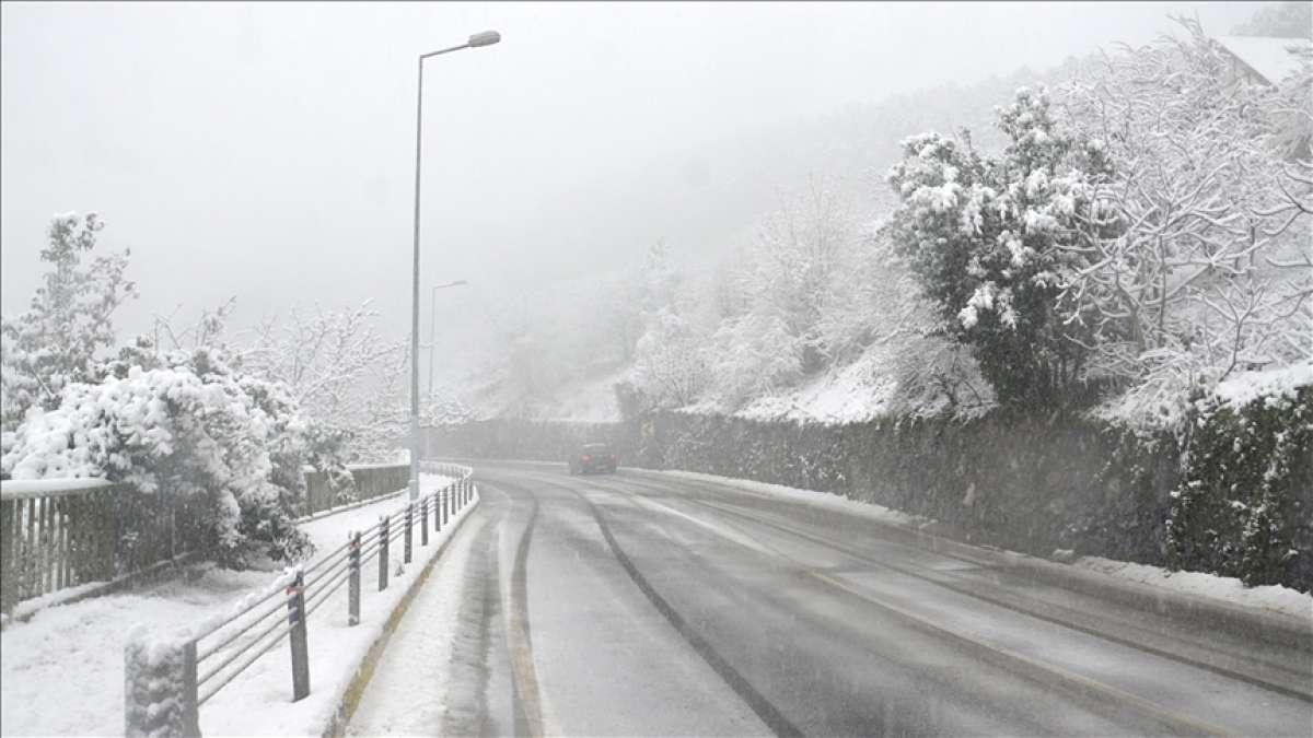 İstanbul'da beklenen kar geldi! Meteoroloji peş peşe uyarılar yaptı! İşte 17 Ocak hava durumu