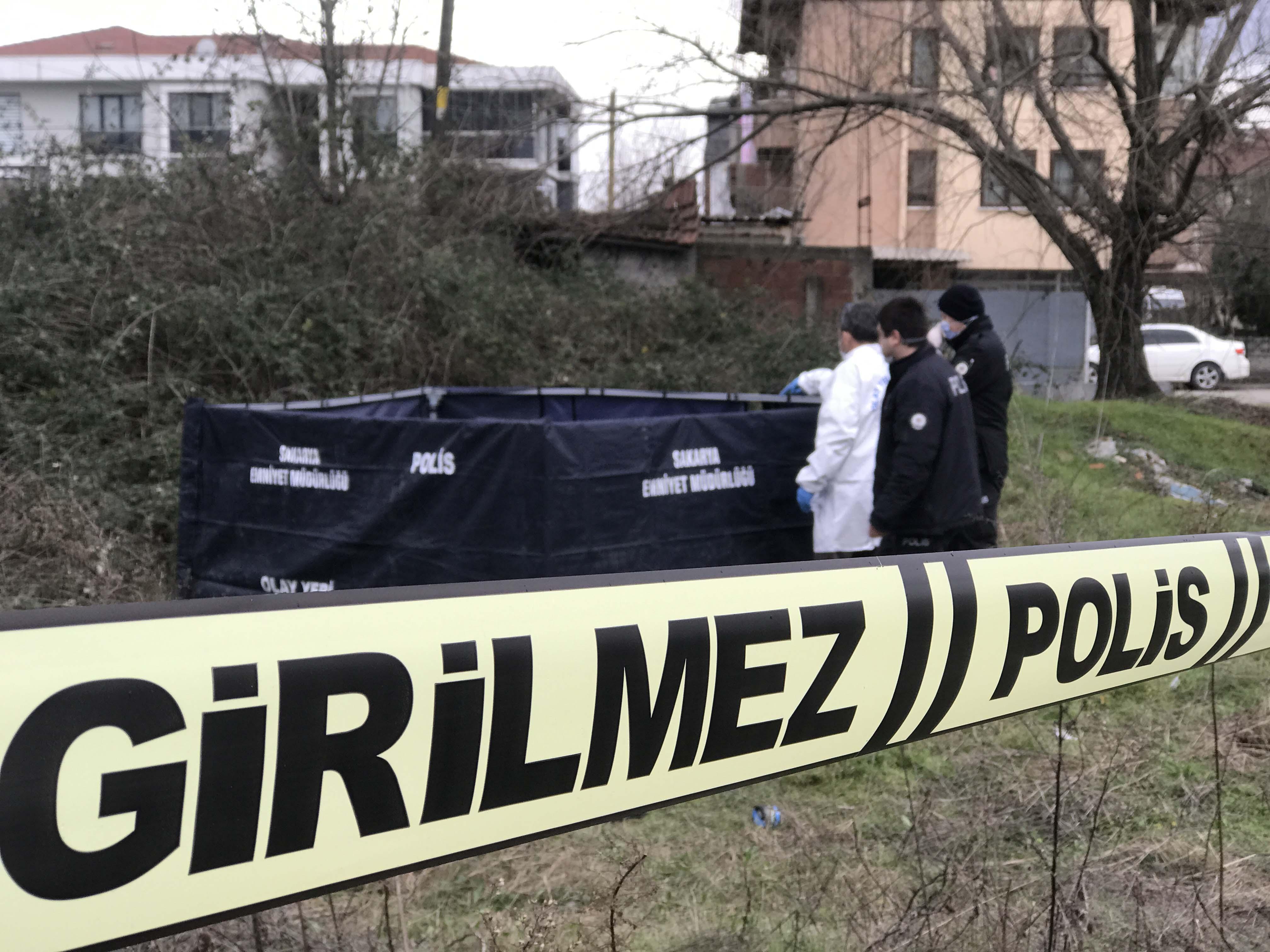 Sakarya'da korkunç olay! Otluk alanda erkek cesedi bulundu