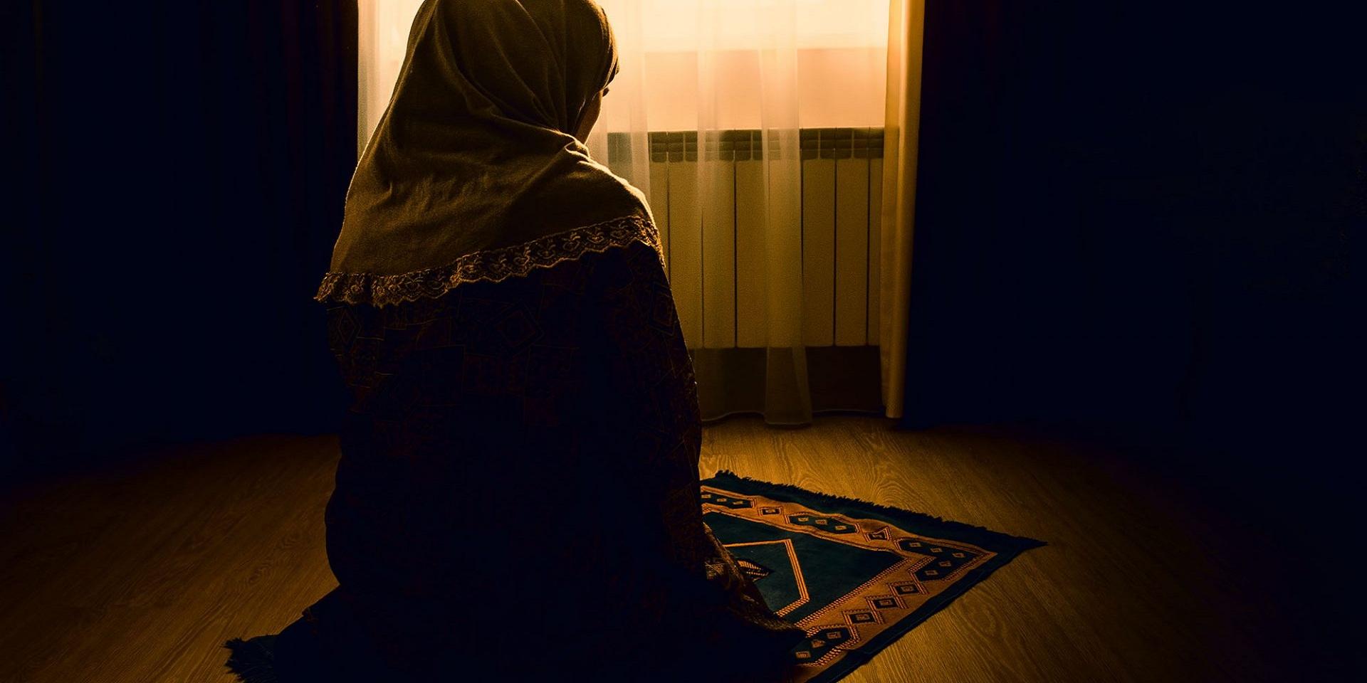 Akşam namazı nasıl kılınır? Kaç rekattır? Hangi dualar okunur?