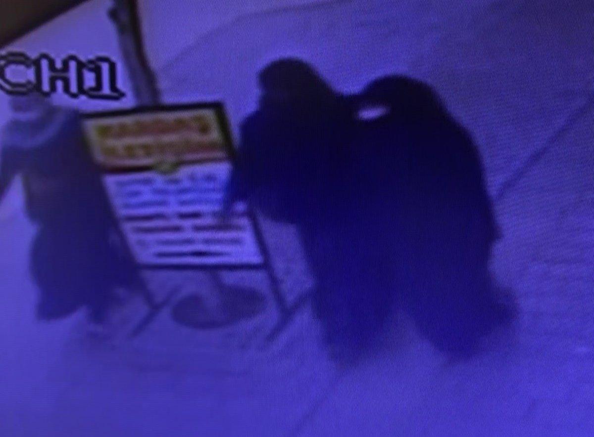 Antalya'da 3 kadın kuyumcuyu soydu, 80 bin TL'lik altın çaldı!