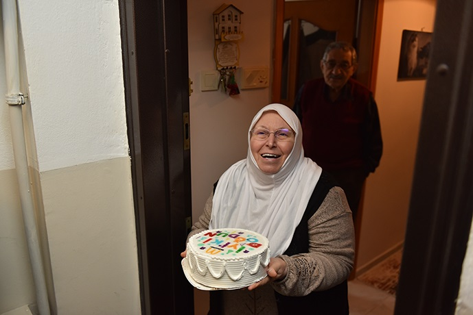Tuzla'da 65 yaş üstü vatandaşların doğum günü sürprizlerine devam ediliyor!