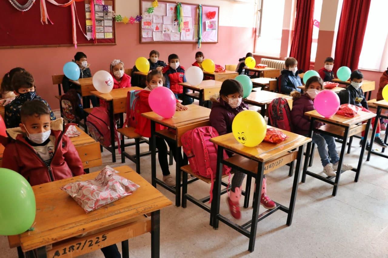 Son dakika... Milli Eğitim Bakanlığı açıkladı: Yüz yüze eğitim 2 Mart'a ertelendi