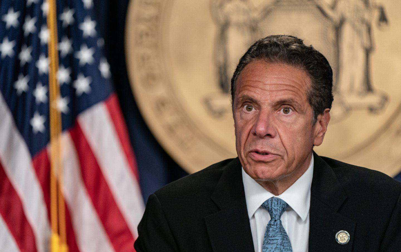 New York Valisi Andrew Cuomo, 3 kadına cinsel tacizde bulunduğu için özür diledi