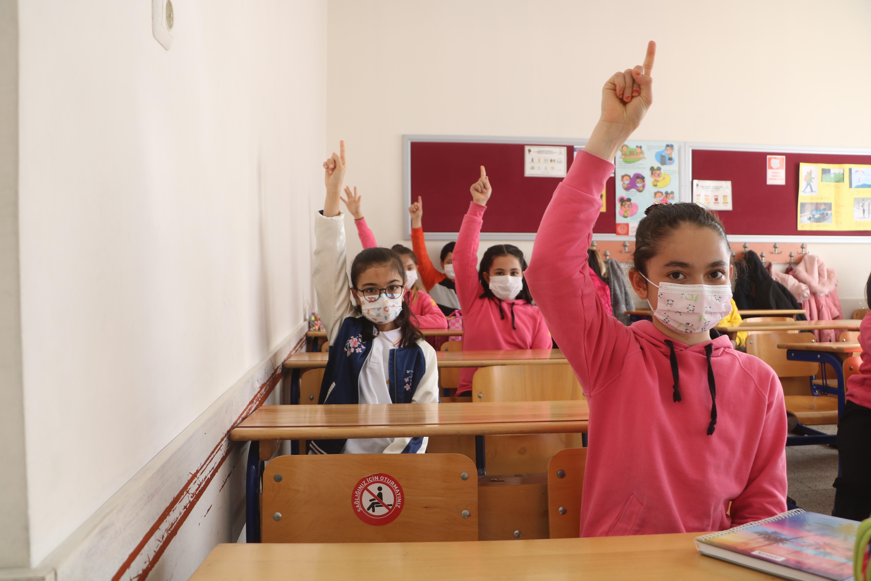 Riskli illerde okullar açılacak mı? Riskli illerde sınav olacak mı?