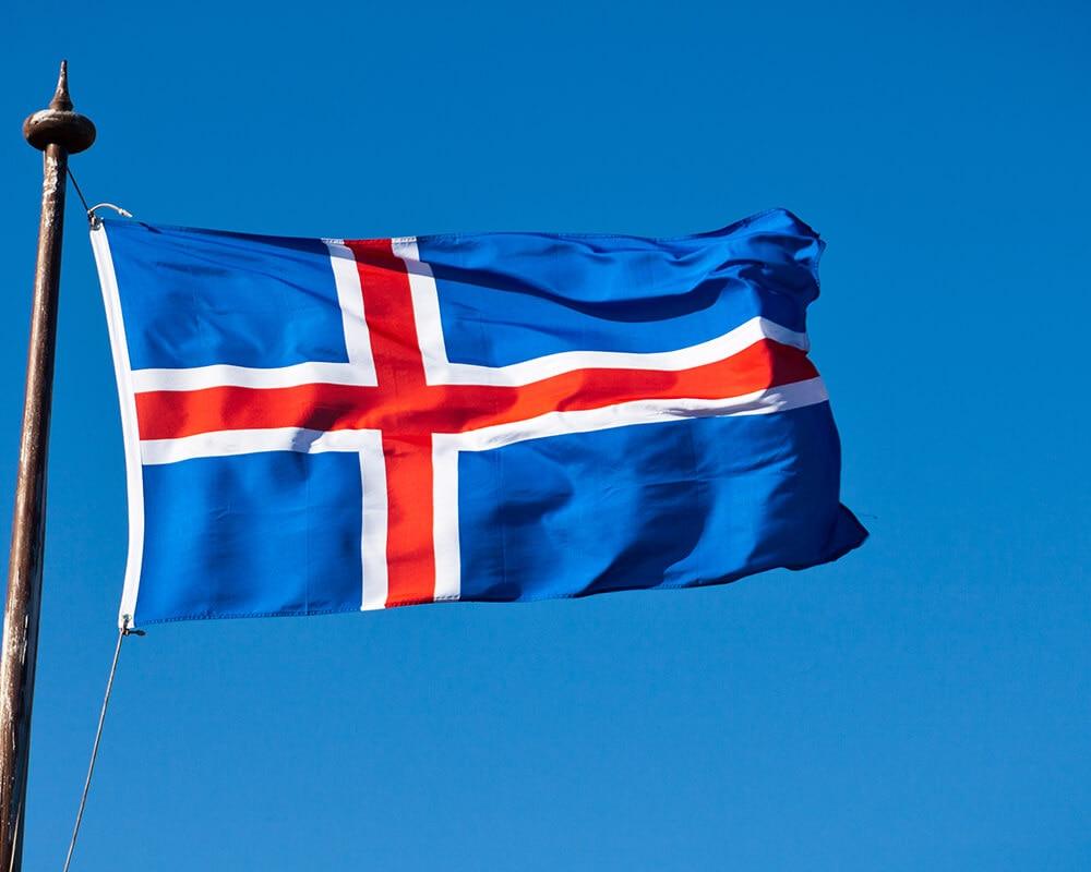 İzlanda'nın Başkenti ve Para Birimi Nedir? İzlanda'nın Bayrağı Nasıldır?