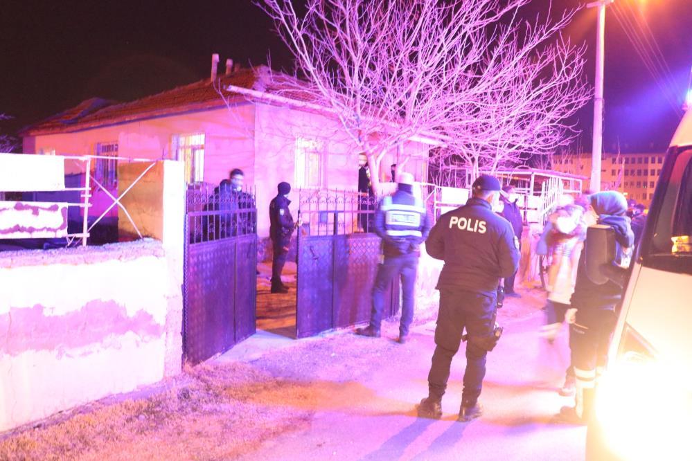 Aksaray'da vahşet: Kafalarından vurulmuş yaşlı çift, evlerinde ölü bulundu!