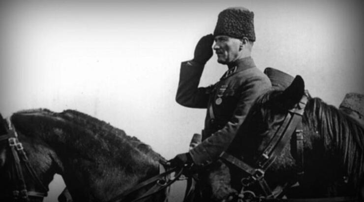 Çanakkale Savaşında ne oldu Çanakkale Zaferinde Atatürk kaç yaşındaydı