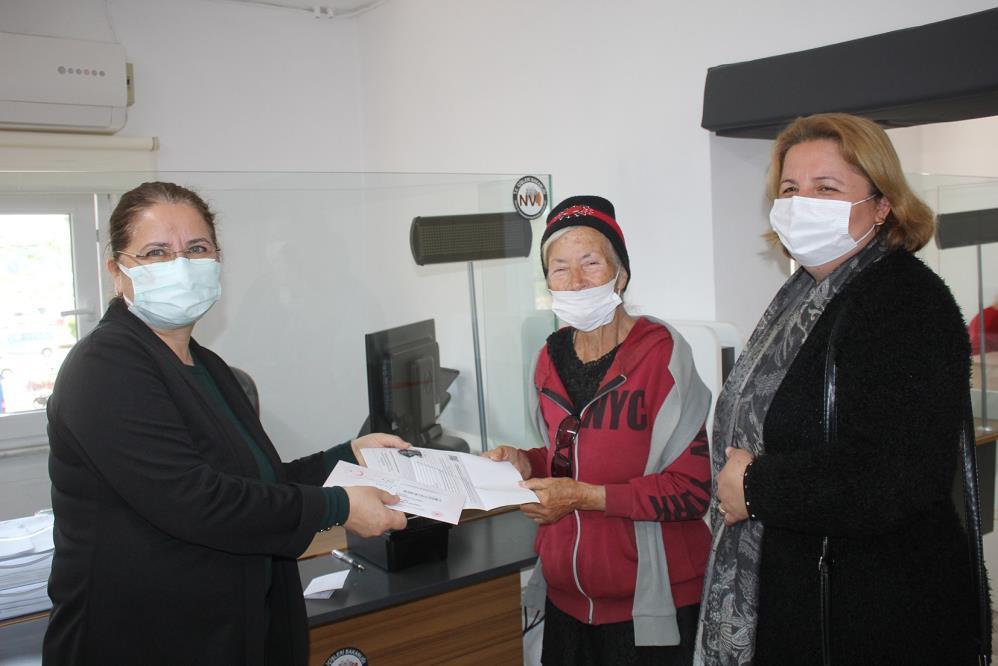 Yıllarca ABDde yaşayan kadın Türkiye'ye geldiğinde kağıt üzerinde ölü olduğunu öğrendi