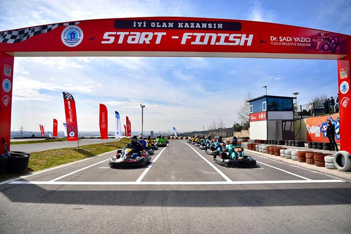 Başkan Yazıcı'nın ile Sağlıkçıların yaptığı Karting Yarışı nefesleri kesti!