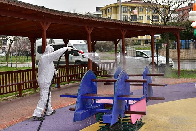 Tuzla'da çocuklar park ve bahçelerde güven altında!