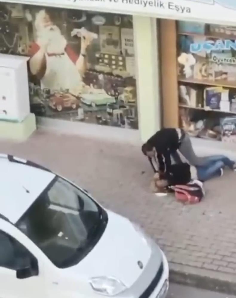 Transseksüel bireyi sokak ortasında öldüresiye döven şahıs tutuklandı