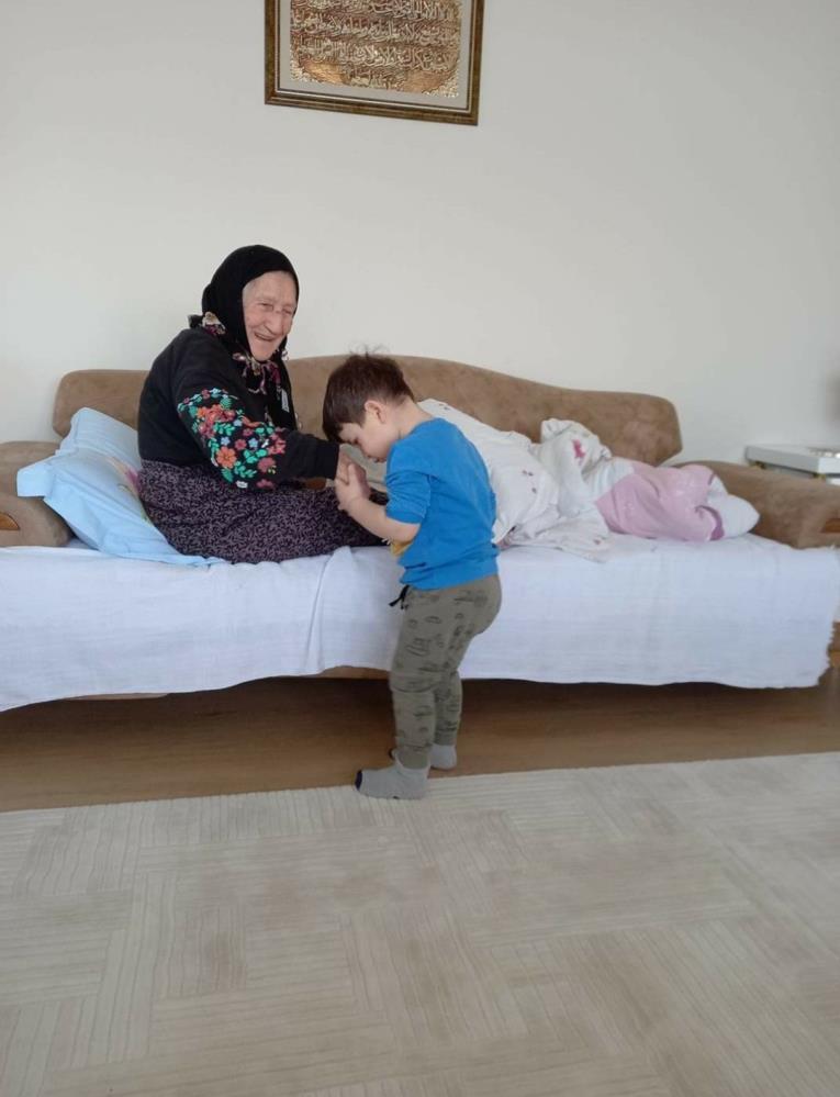 103 yaşındaki Fatma Çıtlakoğlu koronavirüsü yendi, hayatını kaybetti