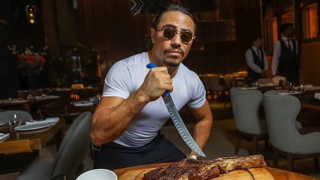 Nusret altın kaplı et videosunu 6 bin dolara sattı