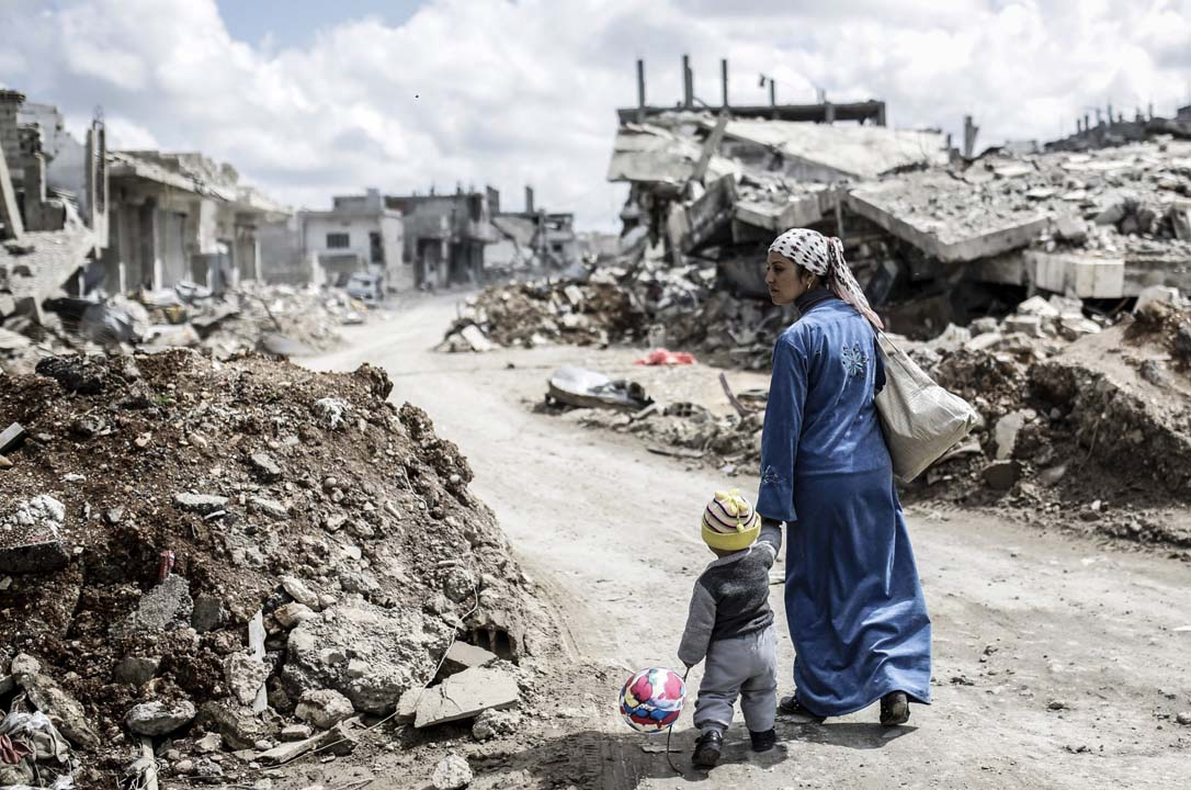 Suriyeli çocukları zorla dilendiren çeteye operasyon: Hortumla dövüyorlardı