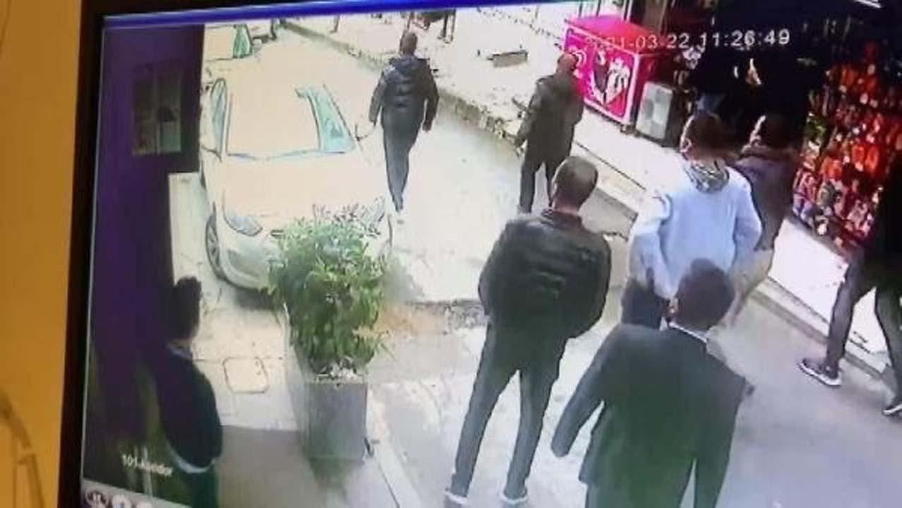 Şişli'de gaspa uğrayan kadın metrelerce sürüklendi