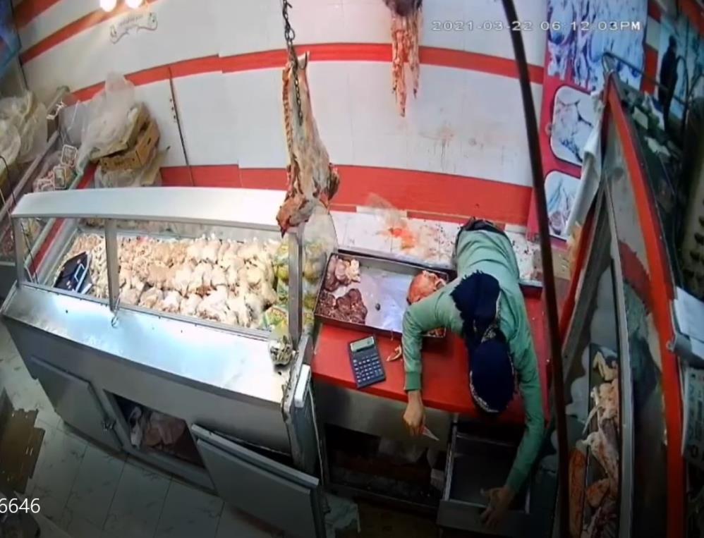 Gaziantep'te korku dolu anlar! İş yeri çalışanlarına saldırıp kasadaki paraları çaldılar