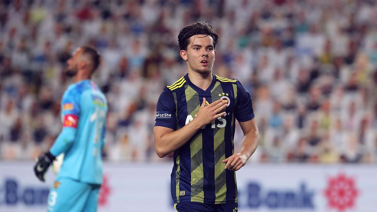 Fenerbahçe'de Ferdi Kadıoğlu şoku! Genç oyuncu Hollanda'ya dönmek istiyor