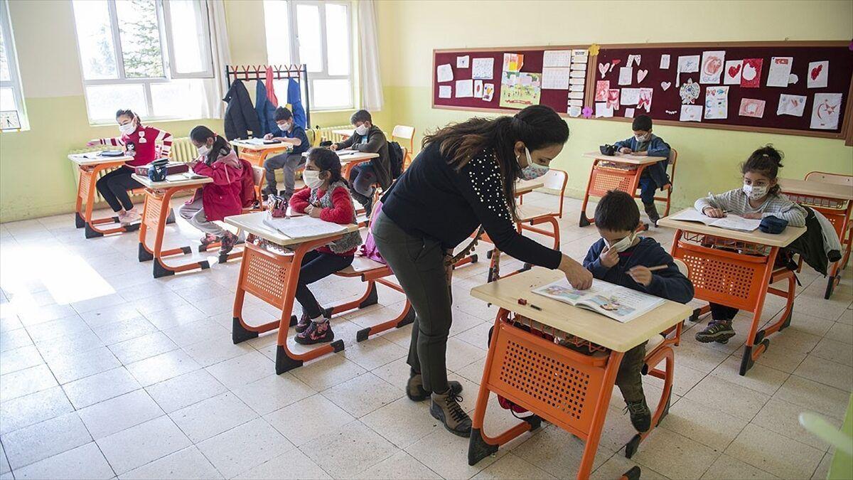 İl Milli Eğitim Müdürü Yazıcı'dan İstanbul'da okullar kapanacak mı? sorusuna yanıt!