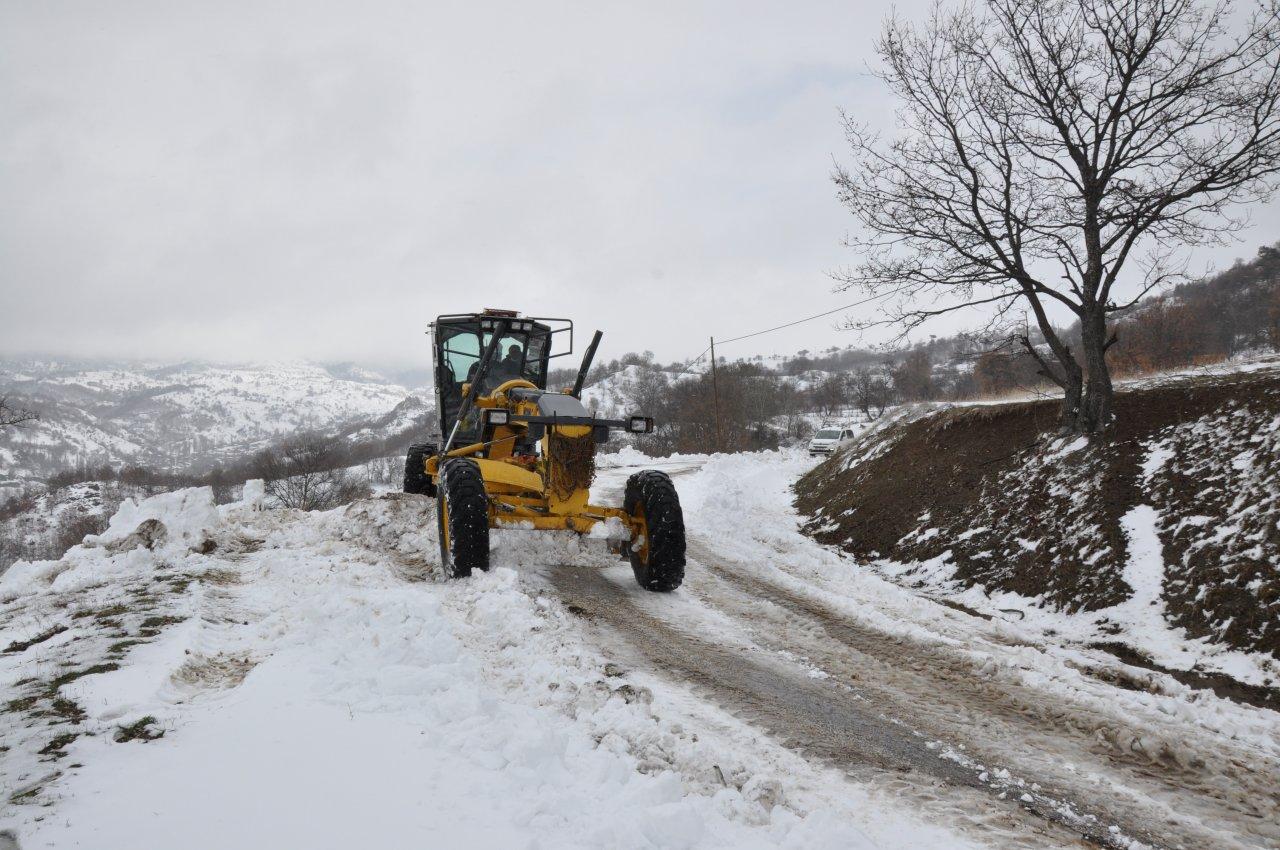 Diyaliz hastasının imdadına karla mücadele ekipleri yetişti, Amasya'da kar nedeniyle yolu kapanan köydeki hasta kurtarıldı