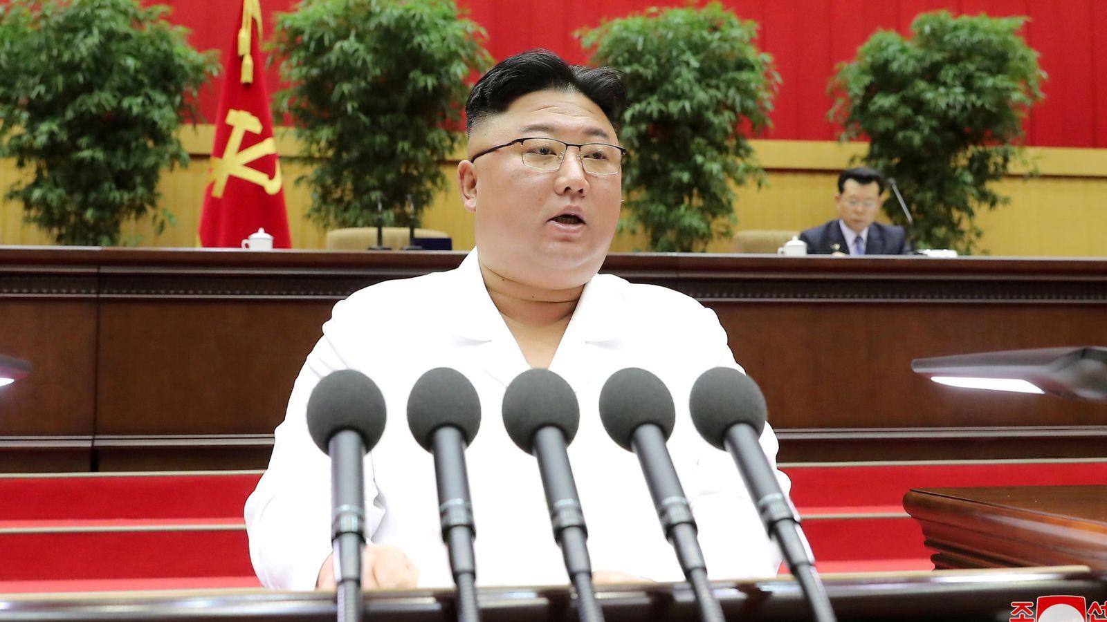 Kuzey Kore lideri Kim Jong-un'dan bir skandal daha: Uzaktan eğitimde başarısız olan Milli Eğitim Bakanını idam etti!