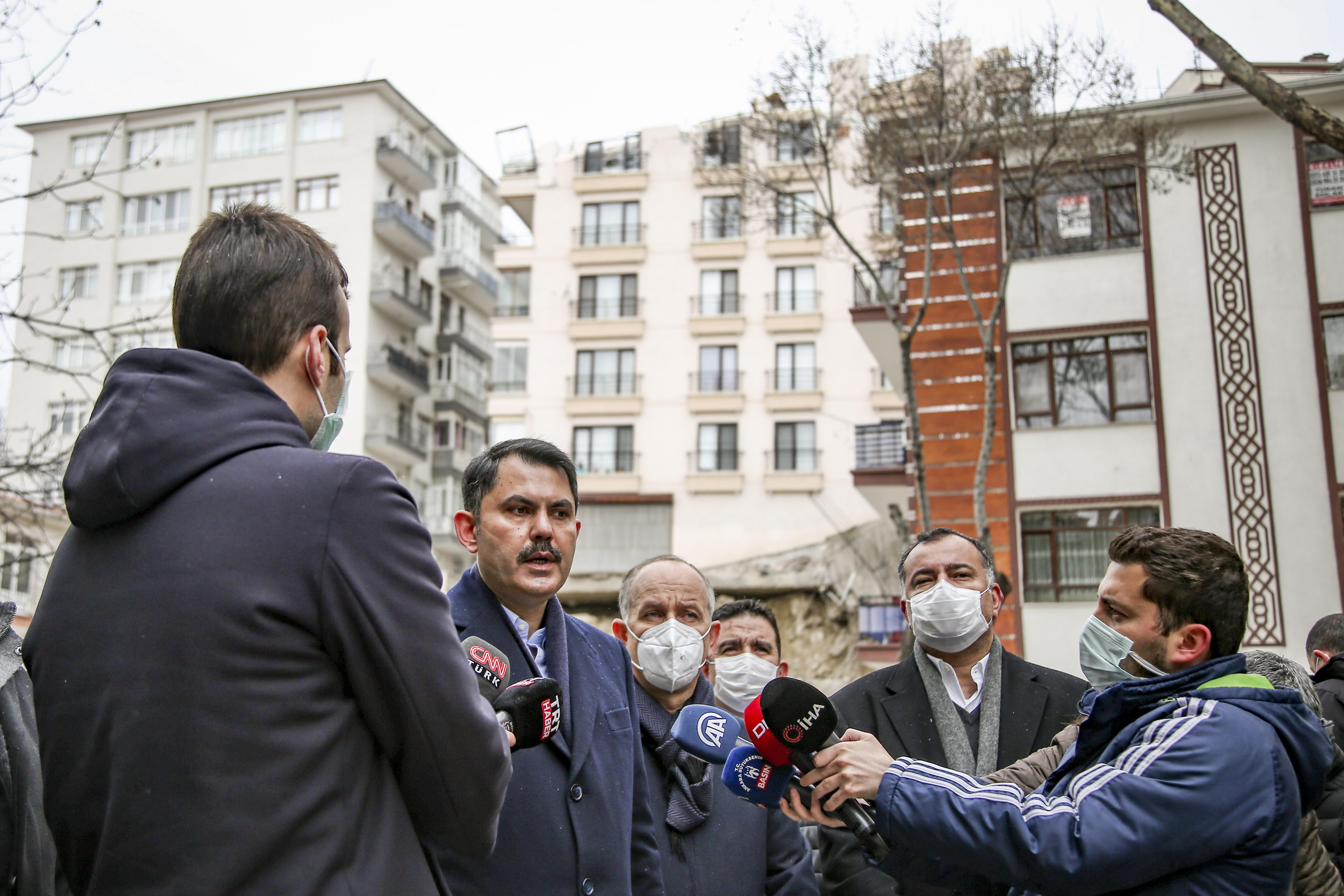 Bakan Kurum'dan Ankara'daki kontrolsüz kazıya sert tepki: Siz inşaat yaparken diğer vatandaşlara zarar veremezsiniz
