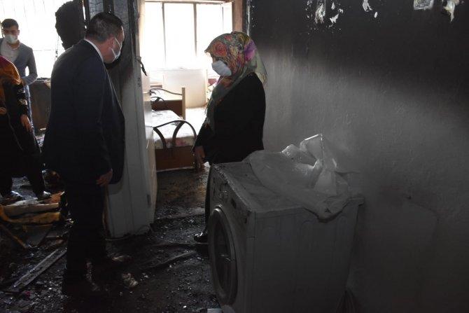 Bağlar İlçe Belediye Başkanından evi yanan aileye maddi manevi destek