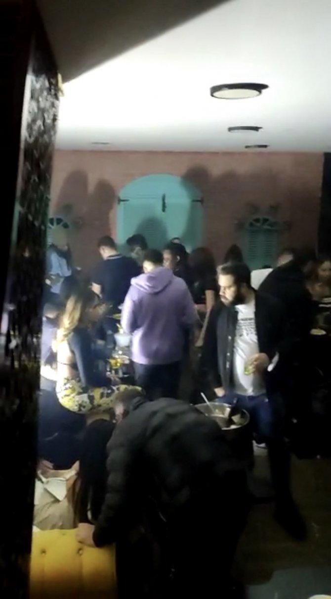 Beyoğlu'ndaki gece kulübe dönüşen kafeye baskın düzenlendi