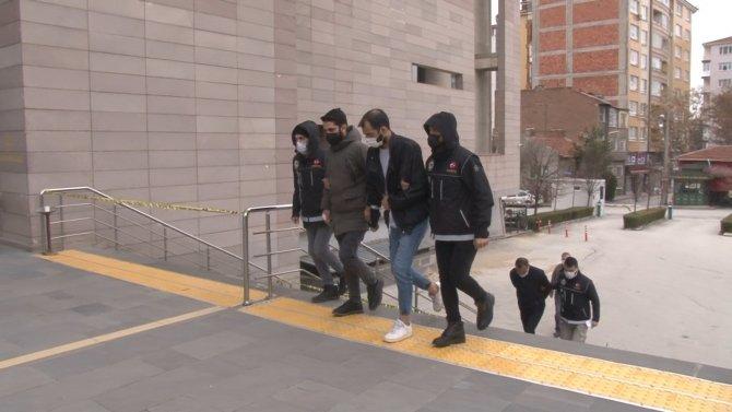 Eskişehir'de düzenlenen uyuşturucu operasyonlarında 7 kişi gözaltına alındı