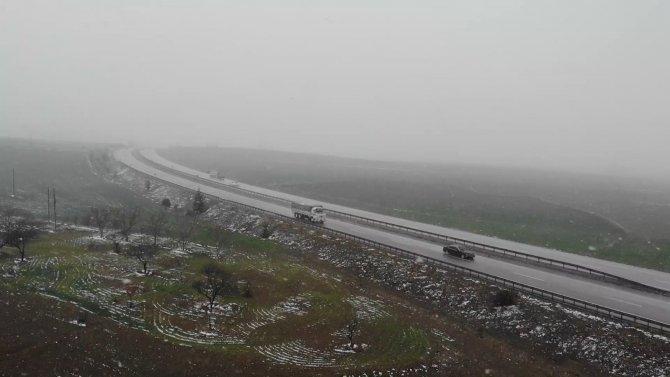 Kırıkkale-Kayseri karayolunda göz gözü görmüyor